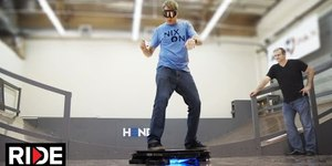 これはすごい!!Tony Hawk Rides World's First Real Hoverbo...